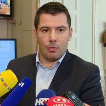 Premijer tvrdi da nije znao za tajne sastanke (Foto: Dnevnik.hr) - 4