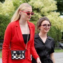 Sophie Turner i Maisie Williams (Foto: Profimedia)