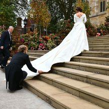 Prizor s kraljevskog vjenčanja zbog kojeg se priča o kumi mladenke, princezi Beatrice - 10