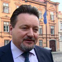 Kuščević o potpisima za referendum (Video: Dnevnik.hr)