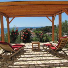 Najljepši vrtovi i terase na Rabu preko Airbnb-a - 8