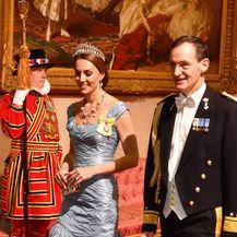 Catherine Middleton u \'zgužvanoj\' haljini Alexandera McQueena - 2