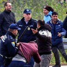Sukobi s migrantima na granici (Foto: AFP)