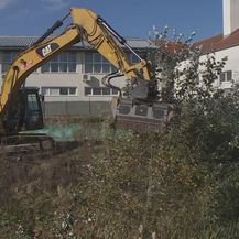 Zatrpavanje rupe u Babinoj Gredi (Foto: Dnevnik.hr) - 1