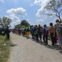 Južnoamerički migranti putuju prema SAD-u (Foto: AFP) - 3