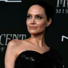 Angelina Jolie s djecom na premijeri filma \'Gospodarica zla 2\' - 4