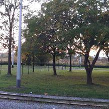 Obitelj podigla ogradu preko okretišta tramvaja u Prečkom (Foto: Dnevnik.hr) - 2