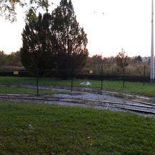 Obitelj podigla ogradu preko okretišta tramvaja u Prečkom (Foto: Dnevnik.hr) - 4