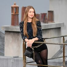 Gigi Hadid na reviji modne kuće Chanel za proljeće/ljeto 2020.