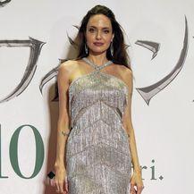 Angelina Jolie nosi haljinu modne kuće Ralph & Russo