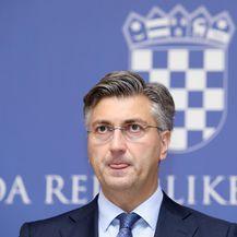 Premijer Andrej Plenković šalio se na presici (Foto: Patrik Macek/PIXSELL)