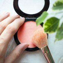 Rumenilo je mnogima bitan dio make-up rutine