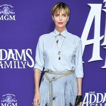 Charlize Theron na premijeri filma \'Obitelj Adams\' - 1