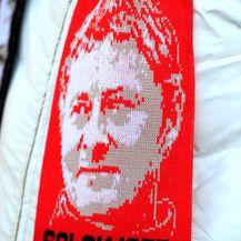 Solskjaer na šalu Unitedovih navijača (Foto: Mike Egerton/Press Association/PIXSELL)