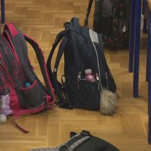 Školske torbe na podu (Foto: Dnevnik.hr)