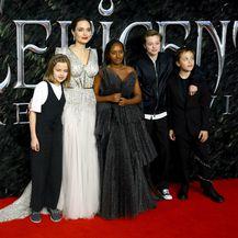 Angelina Jolie i njezino četvoro najmlađe djece