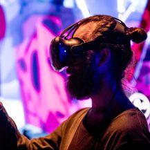 Demonstracija virtualne stvarnosti na OIW