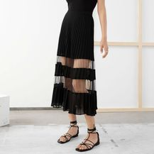 & Other Stories (asos.com), 75 funti (636,89 kn)