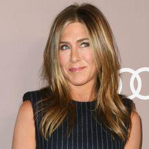 Jennifer Aniston zna istaknuti svoje ženstvene adute