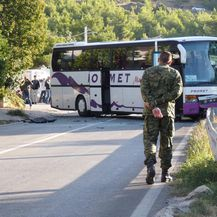 Sudar dvaju autobusa i automobila kod Klisa (Foto: Ivo Cagalj/PIXSELL)
