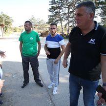 Miro Bulj sa stanovnicima sinjske okolice spriječio iskrcaj smeća dovezenog iz Vrgorca na odlagalište Mojanka (Foto:Ivo Cagalj/PIXSELL)
