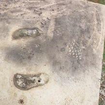 Ukradeni kipovi s križnog puta u Rijeci (Foto: Dnenvik.hr) - 1