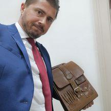 Tihomir Lukanić s torbom Steve Culeja (Foto: Facebook/Tihomir Lukanić)