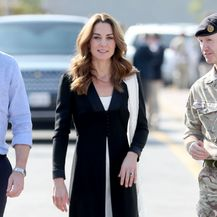 Crno-bijela kombinacija Catherine Middleton - 3