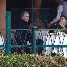Pierce Brosnan i supruga (Foto:Profimedia)