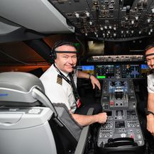 Pilotska kabina Qantasova Boeinga 787-9 Dreamlinera (Foto: AFP)