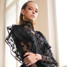 Izložbom \'Posveta ženstvenosti\' eNVy room obilježava 15 velikih godina modnog stvaranja - 1
