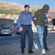 Privođenje u Dubrovniku (Foto: Pixsell/PIXSELL) - 7