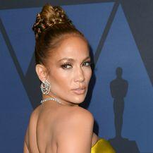 Jennifer Lopez u žutoj haljini Reem Acre privlačila je poglede