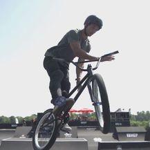 Muškarac na biciklu (Foto: Dnevnik.hr)