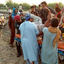 Izbio požar u vlaku u Pakistanu (Foto: AFP) - 3