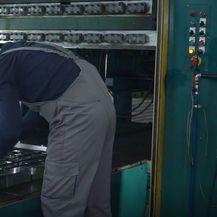 Radnici u tvornici, ilustracija - 1