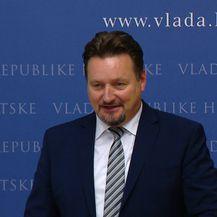 Ministar Kuščević o uklanjanju ploče HOS-a (Video: Dnevnik.hr)