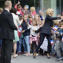 Brigitte Macron u obući u kojoj se prve dame jako rijetko viđa - 4