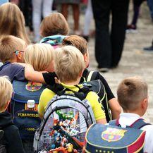 Ponovni susret malih prijatelja na prvi dan škole - 2