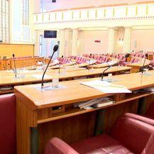 Ostaju li nezavisini zastupnici zapravo nezavisni? (Foto: Dnevnik.hr) - 1