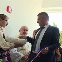 Ispričao se Momir Karin, pomoćnik ministrice obrazovanja (Video: Dnevnik Nove TV)