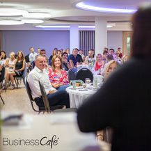 48. Business Cafe