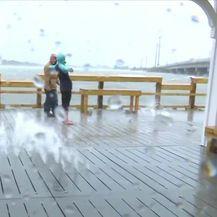 Uragan stigao na istočnu obalu SAD-a (Video: Vijesti u 17 h)