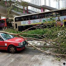 Tajfun u Kini 1 (Foto: AFP)
