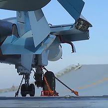 Suhoj Su-30 polijeće s palube nosača aviona (Foto: Arhiva/AFP)