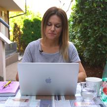 Ana Zibar uživa u toplim danima u svom \'\'uredu\'\' na otvorenom