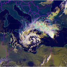 Medicane u razvijanju u Jonskom moru, 28. 9. 2018, 08:15 SEV, izvor: EUMETSAT, MSG satelit, DHMZ