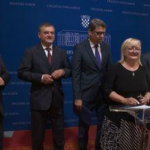 Gomilaju se dugovi, čekaju se mjere (Foto: Dnevnik.hr) - 2