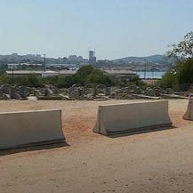 Nevjerojatan prizor oko antičkog spomenika u Solinu (Foto: Dnevnik.hr)