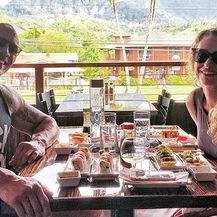 Dwayne Johnson i Lauren Hashain (Foto: Instagram)